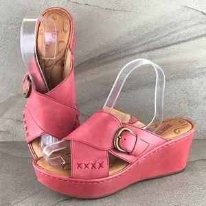 Born Curstyn Wedge Sandals Size 9